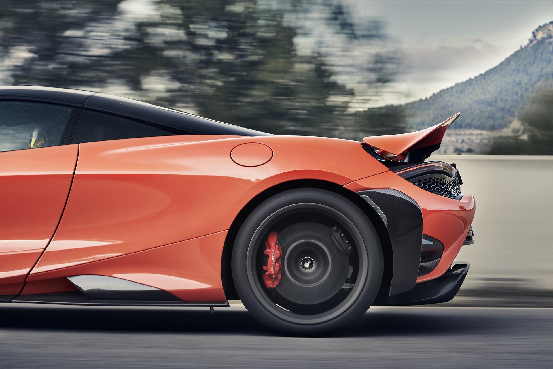 McLaren_765LT_0028