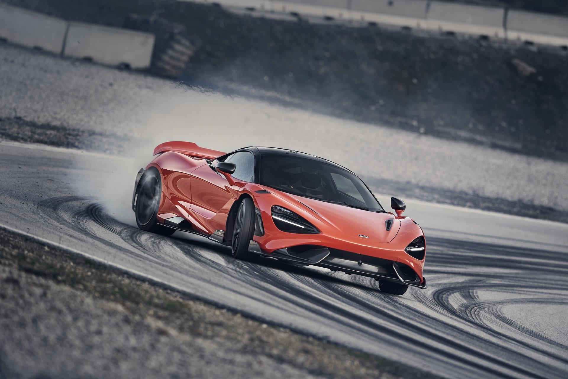 McLaren_765LT_0030
