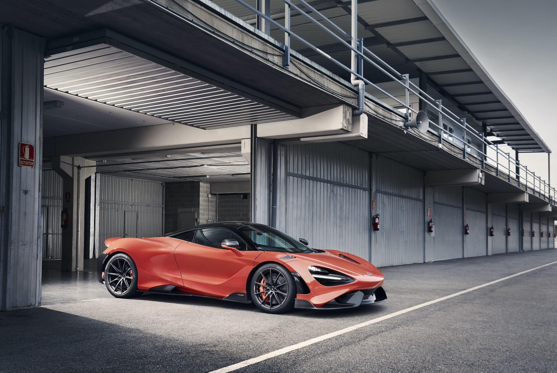 McLaren_765LT_0032