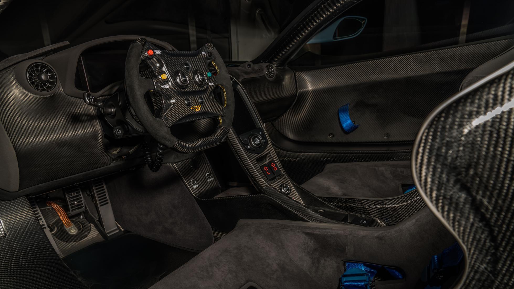 McLaren-P1-GTR-18-by-Lanzante-8