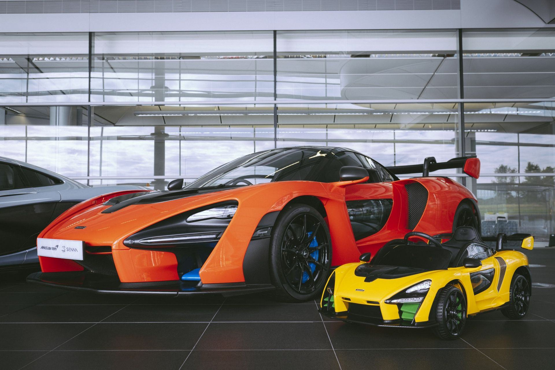 McLaren_Senna_Ride-On–0001