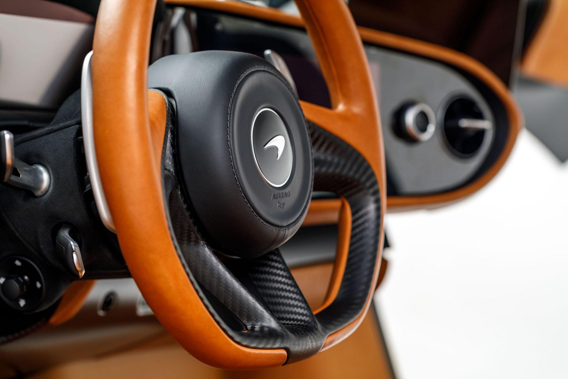McLaren-Speedtail-40