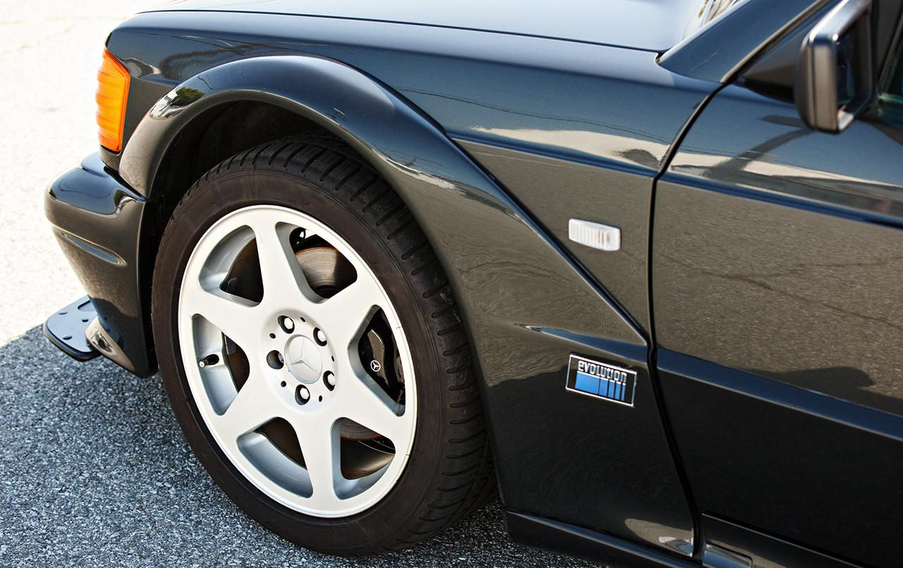 Mercedes-190E-25-16-Evolution-II-1990-auction-10