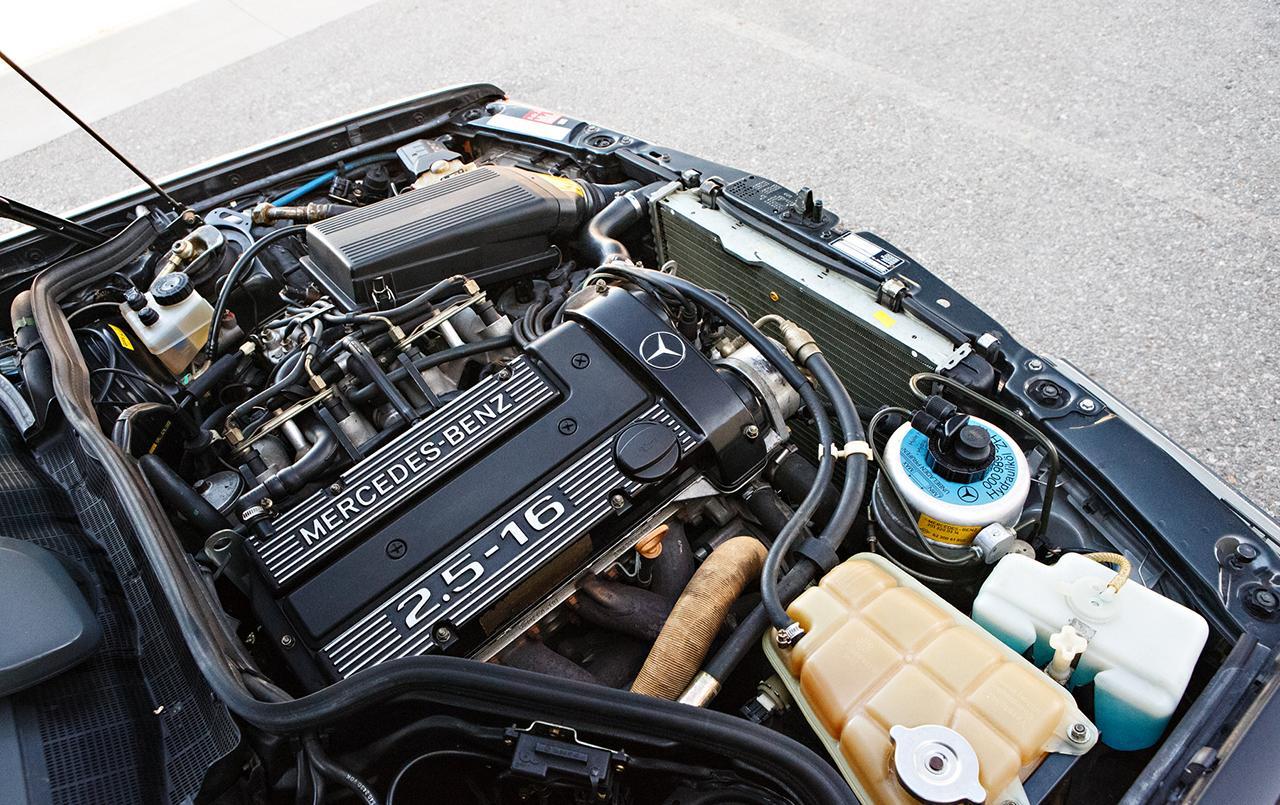 Mercedes-190E-25-16-Evolution-II-1990-auction-15