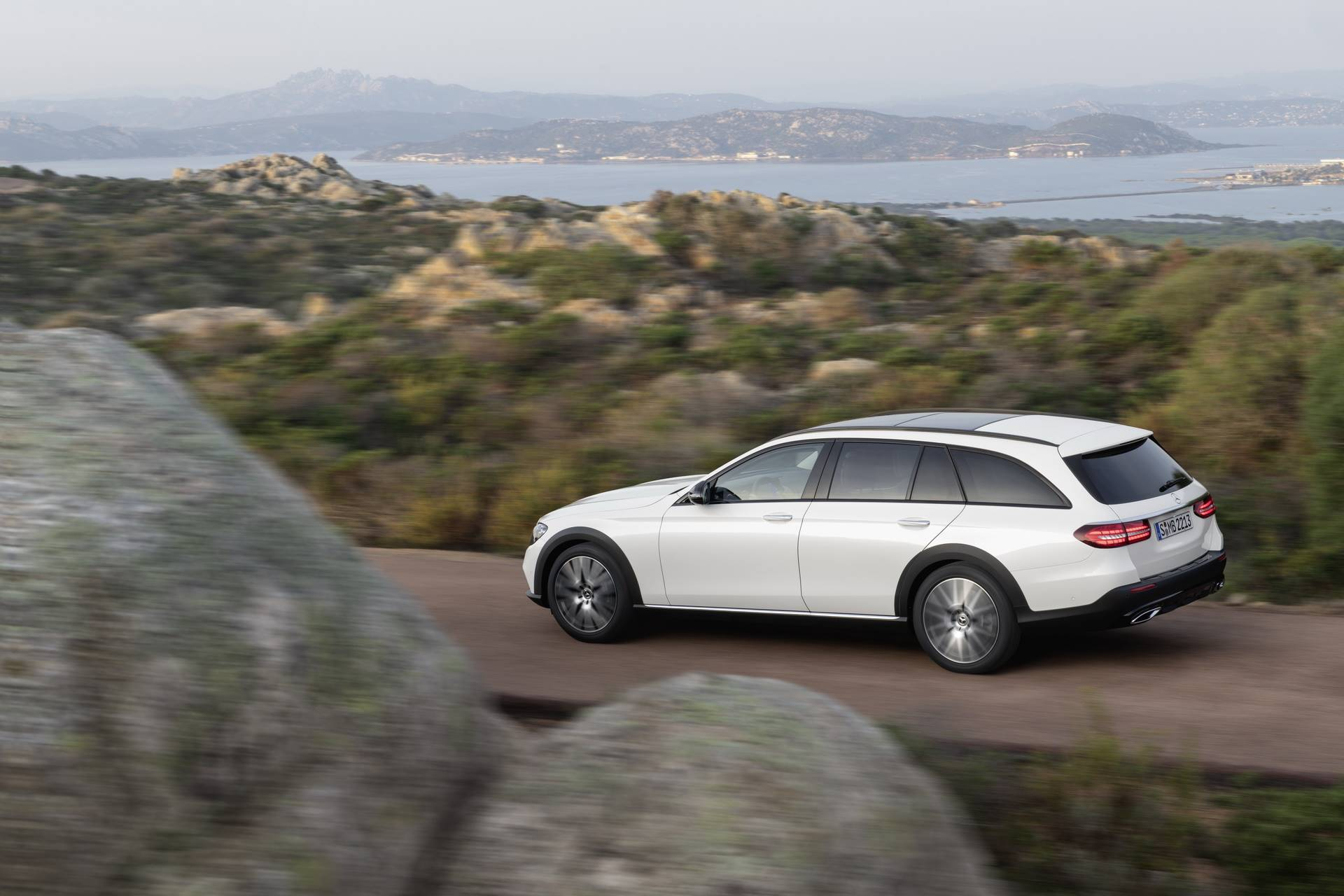 Mercedes-Benz-E-Class-All-Terrain-facelift-2020-12