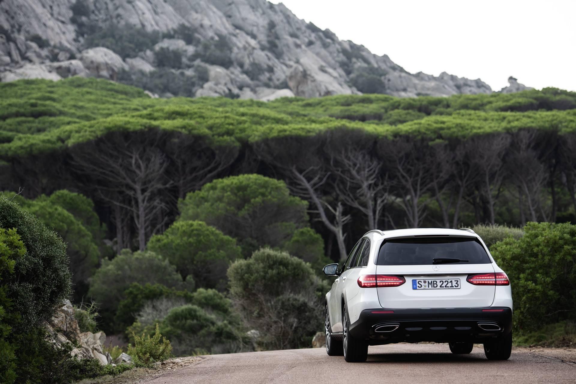 Mercedes-Benz-E-Class-All-Terrain-facelift-2020-13