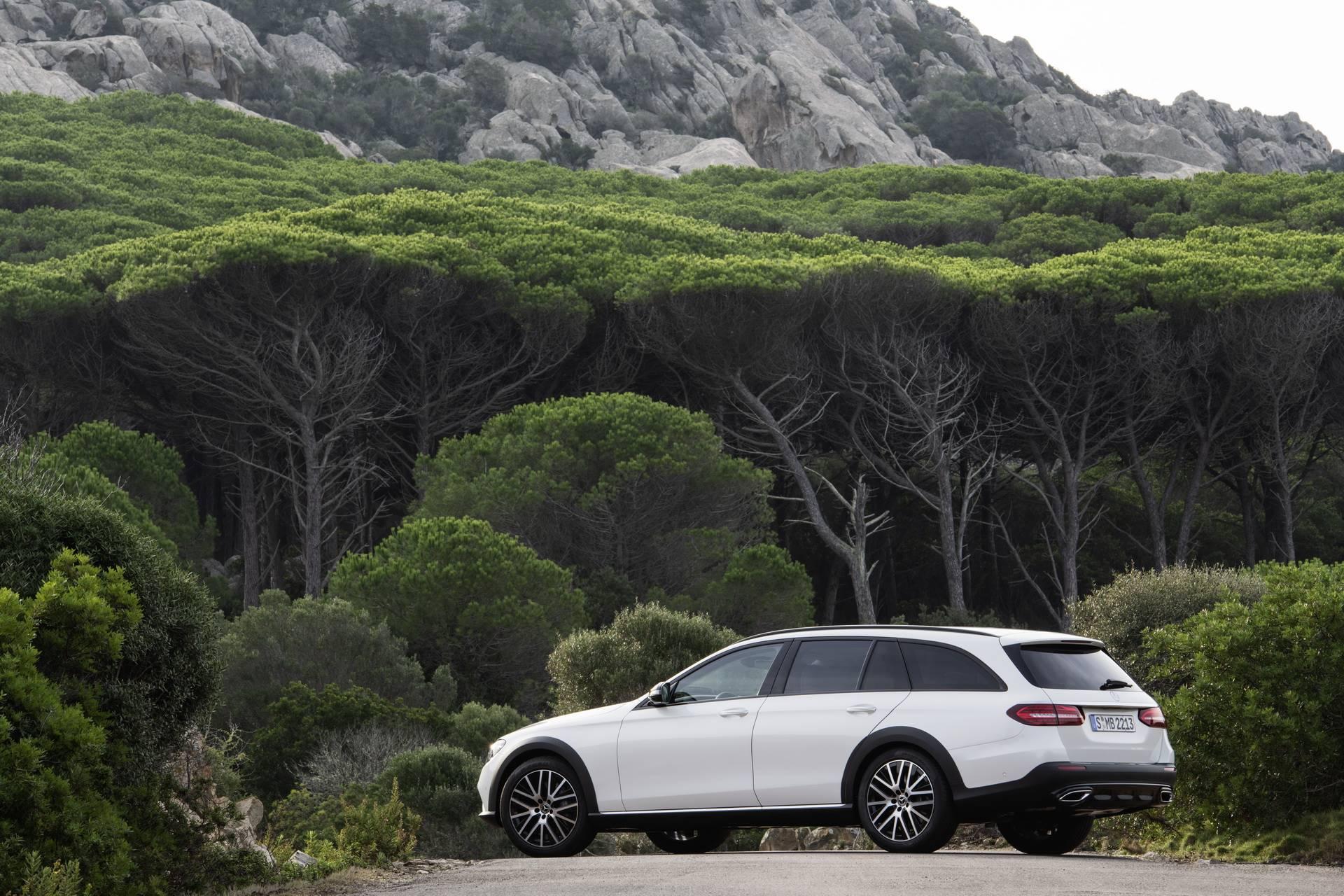 Mercedes-Benz-E-Class-All-Terrain-facelift-2020-17