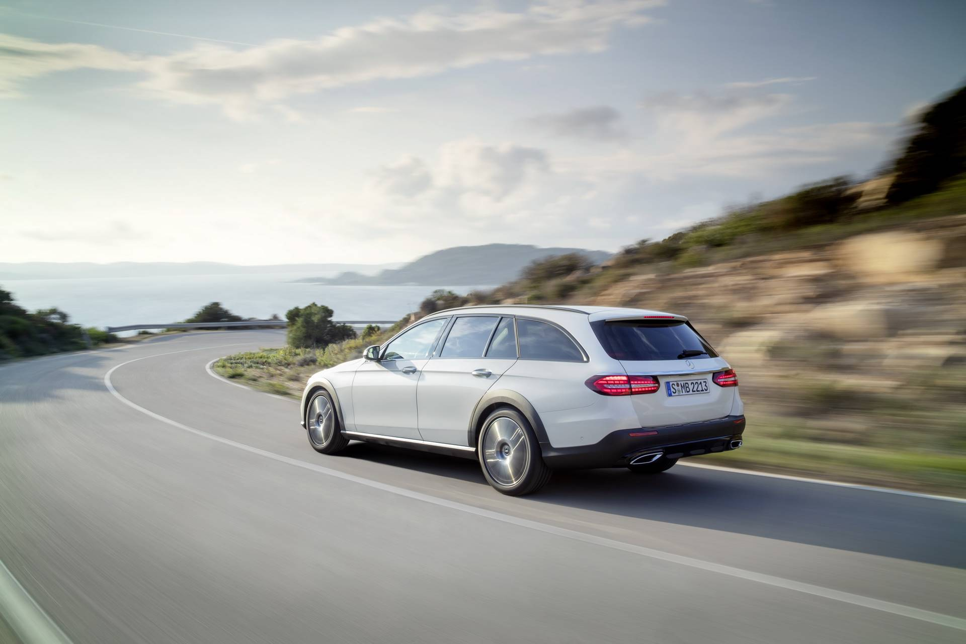 Mercedes-Benz-E-Class-All-Terrain-facelift-2020-2