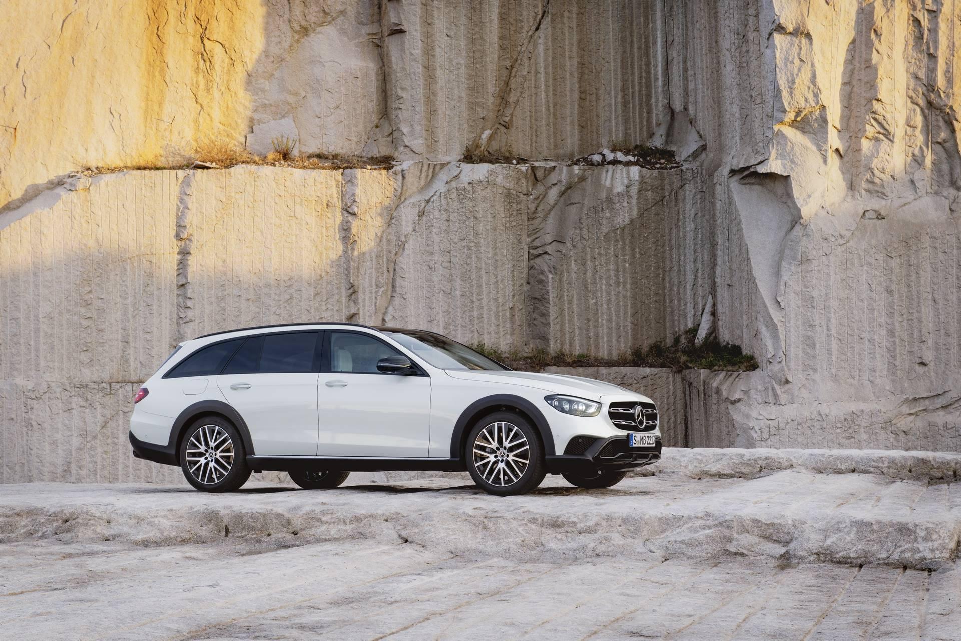 Mercedes-Benz-E-Class-All-Terrain-facelift-2020-27