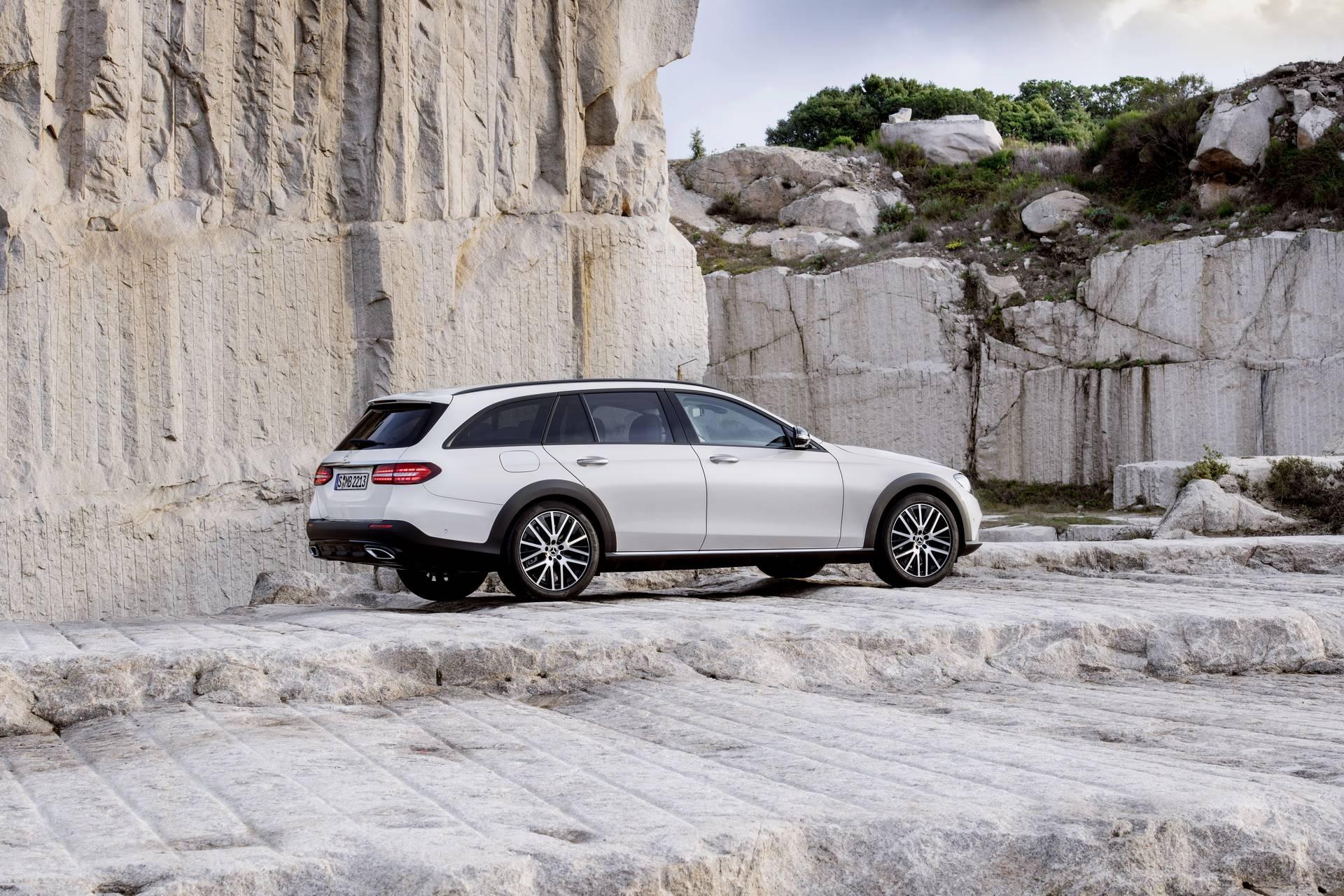 Mercedes-Benz-E-Class-All-Terrain-facelift-2020-28