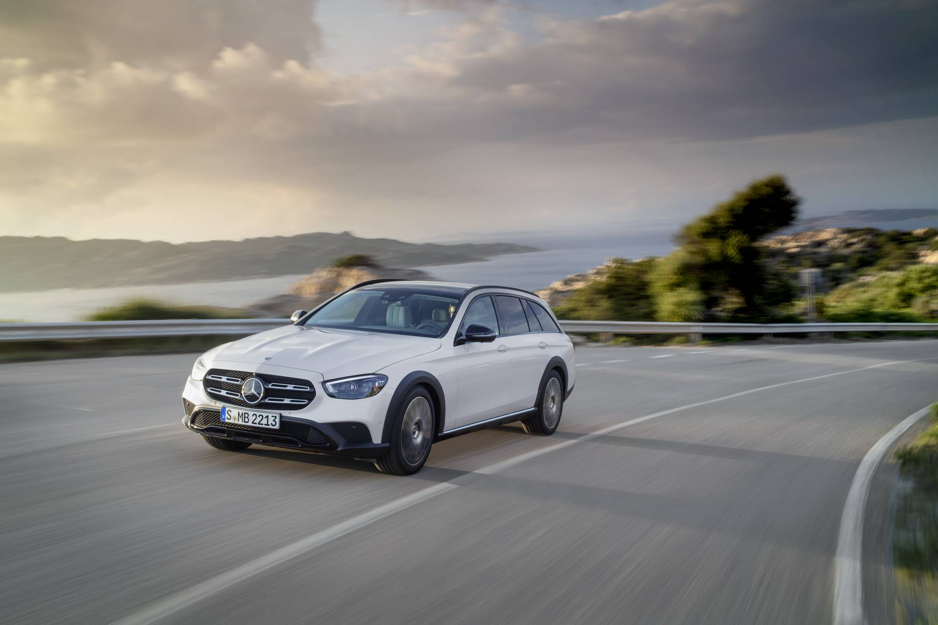 Mercedes-Benz-E-Class-All-Terrain-facelift-2020-3