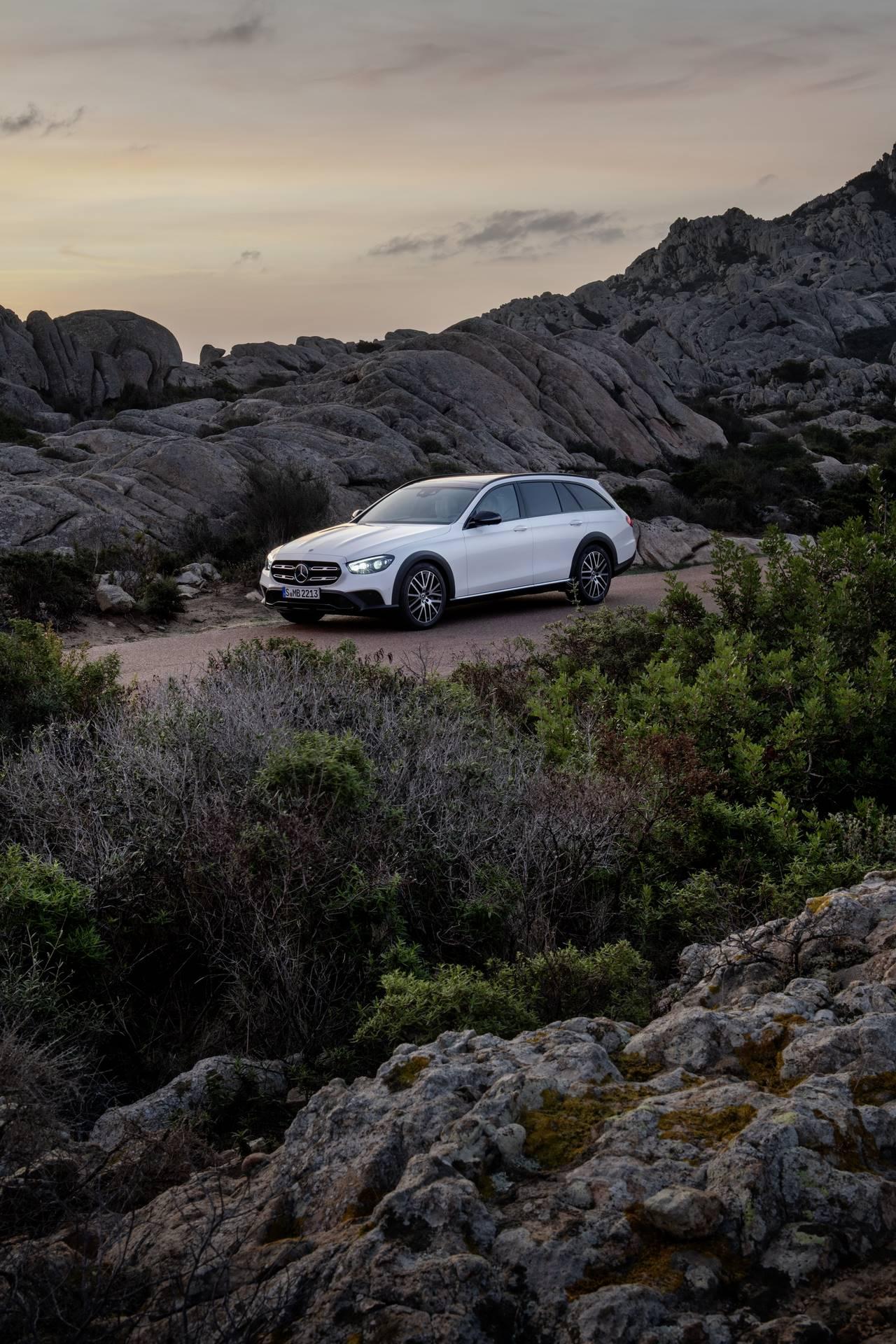 Mercedes-Benz-E-Class-All-Terrain-facelift-2020-8
