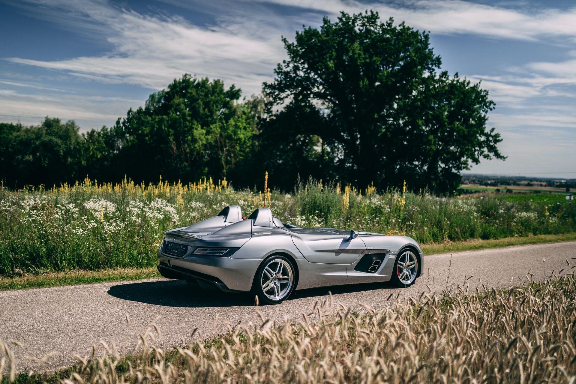 2009-Mercedes-Benz-SLR-McLaren-Stirling-Moss-_1