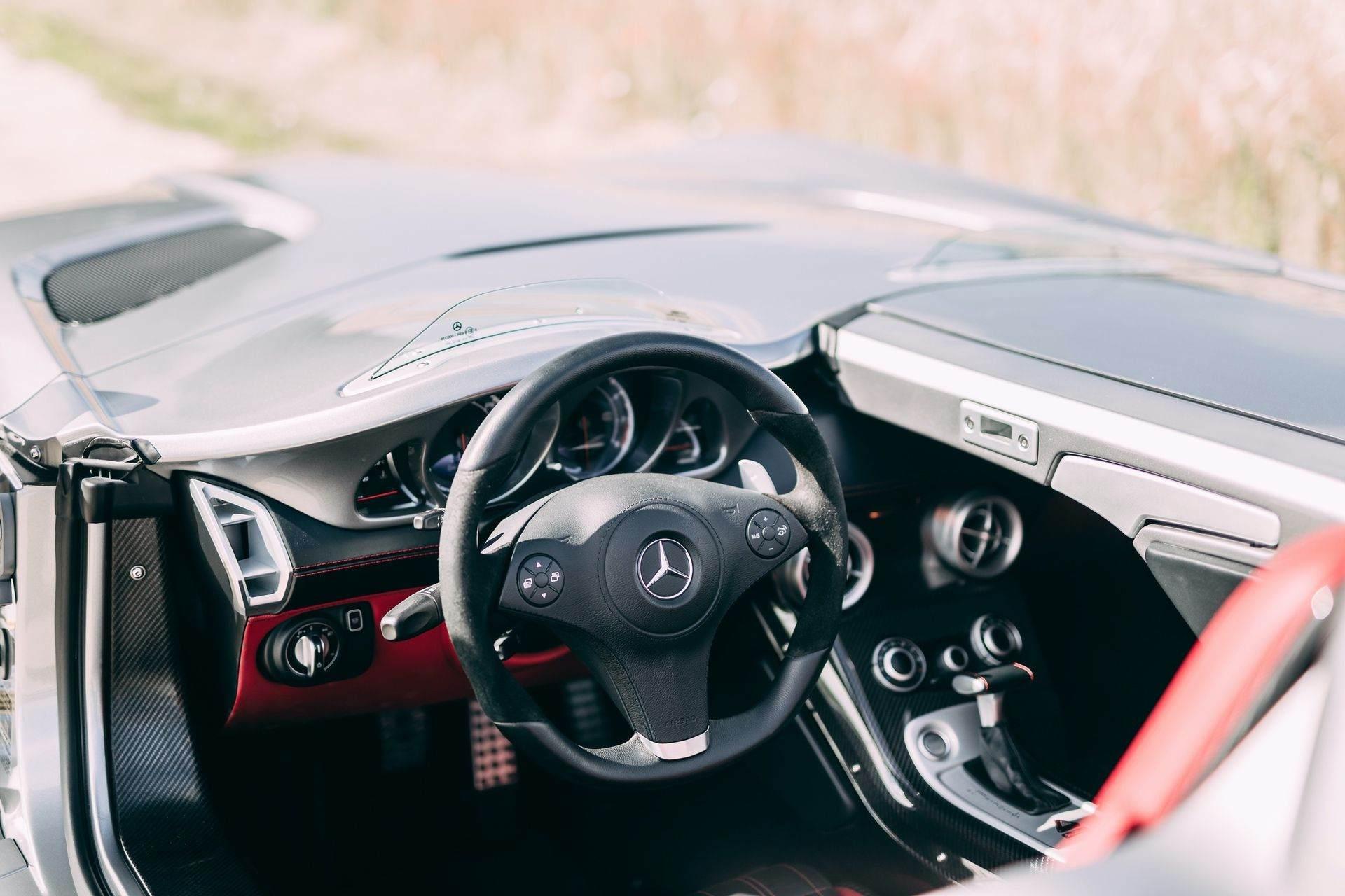2009-Mercedes-Benz-SLR-McLaren-Stirling-Moss-_11