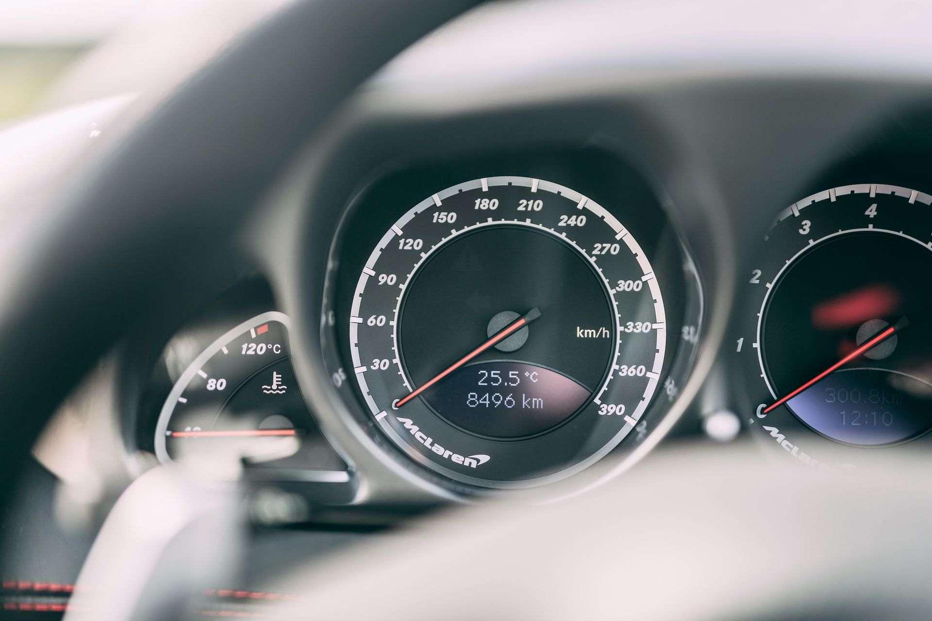 2009-Mercedes-Benz-SLR-McLaren-Stirling-Moss-_12