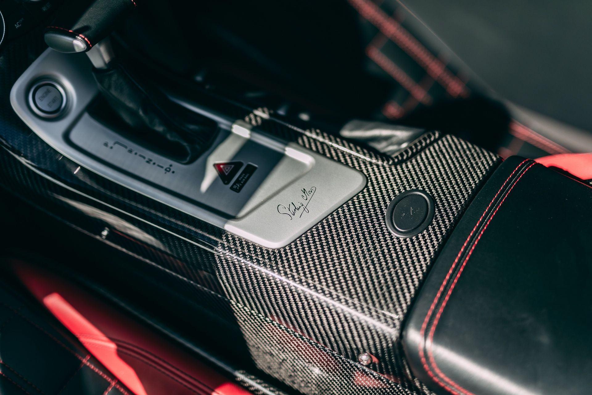 2009-Mercedes-Benz-SLR-McLaren-Stirling-Moss-_13