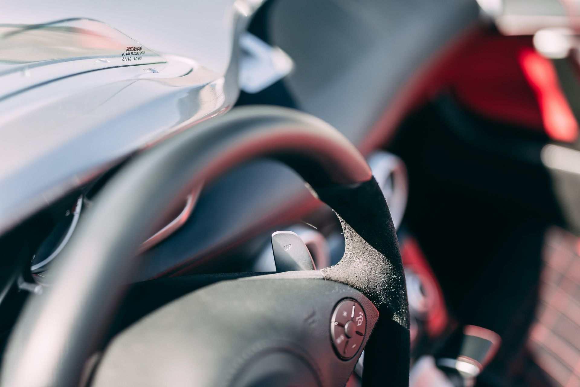 2009-Mercedes-Benz-SLR-McLaren-Stirling-Moss-_18