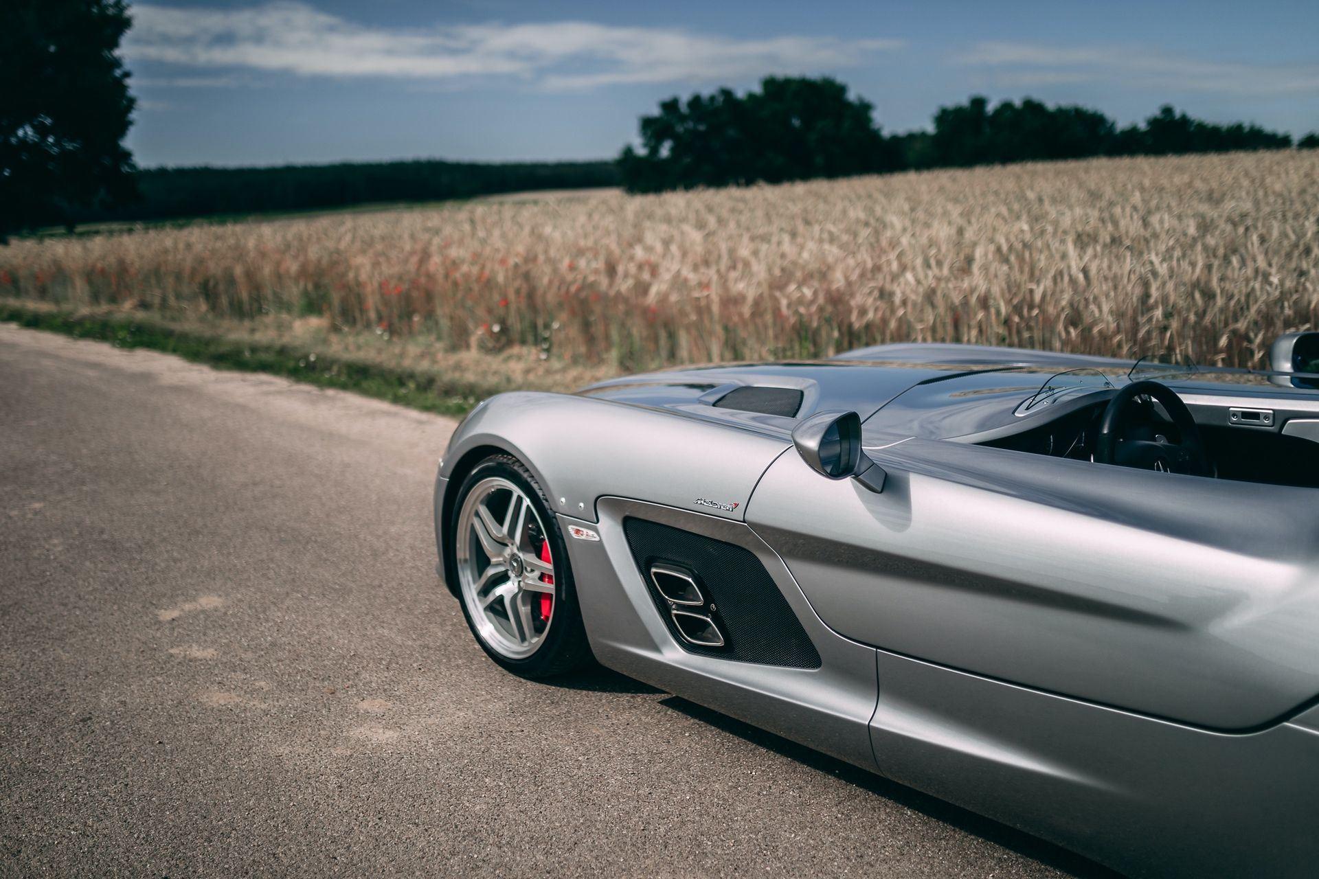 2009-Mercedes-Benz-SLR-McLaren-Stirling-Moss-_20