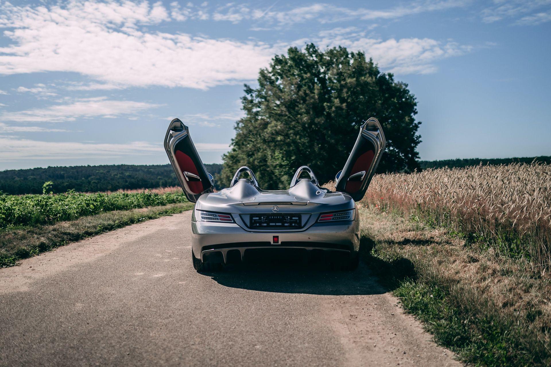 2009-Mercedes-Benz-SLR-McLaren-Stirling-Moss-_31