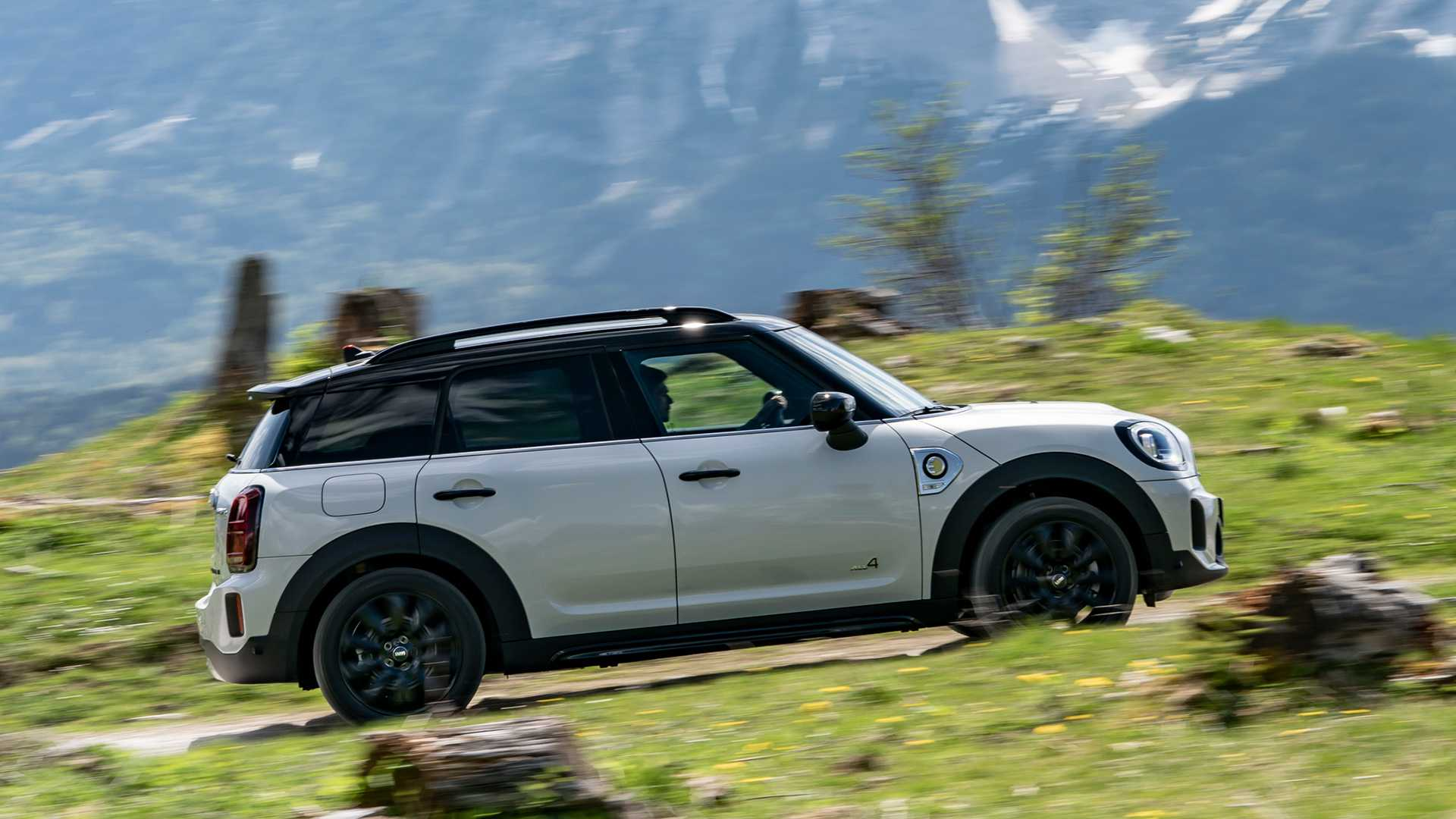 mini-cooper-se-countryman-all4-2020-1