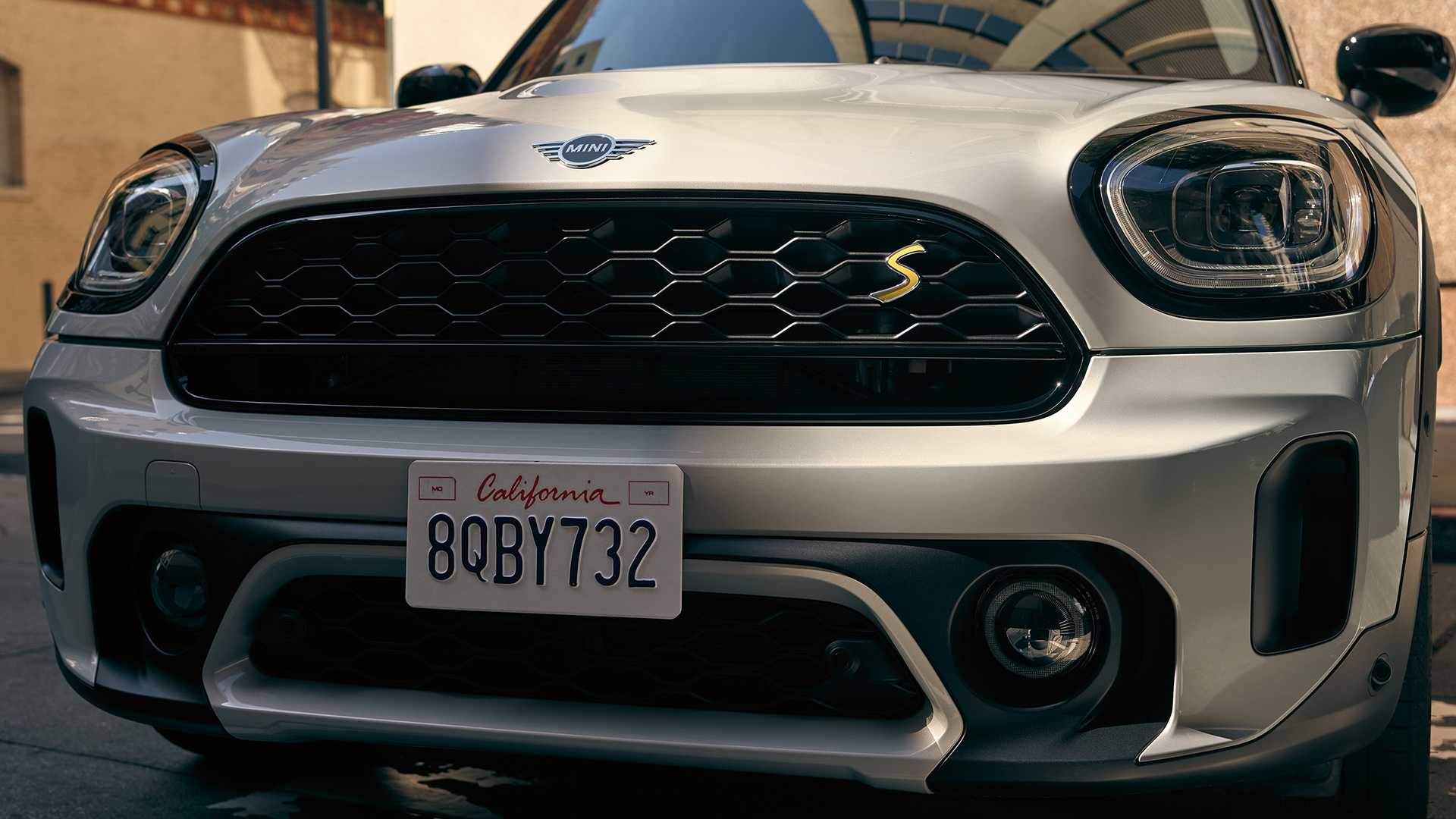 mini-cooper-se-countryman-all4-2020-27