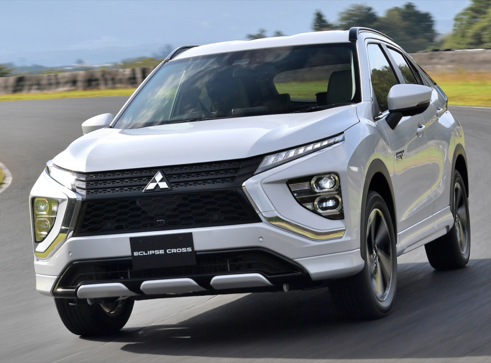 msubishi-eclipse-cross-phev-2020-14