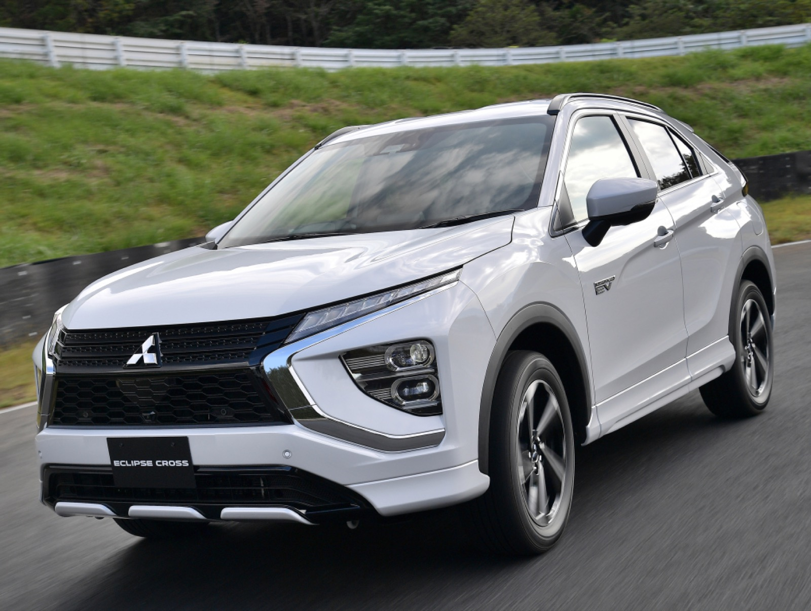 msubishi-eclipse-cross-phev-2020-3