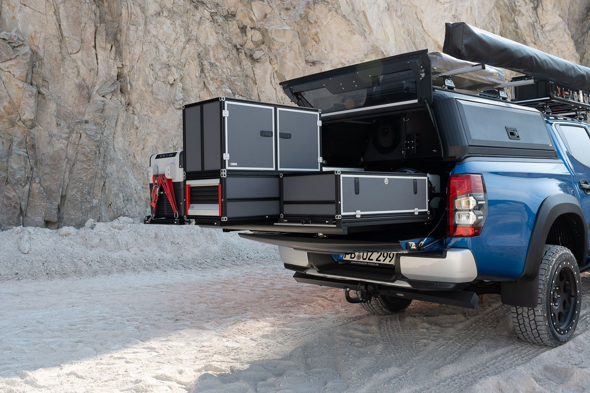 Mitsubishi-L200-Camping-Accessories-3