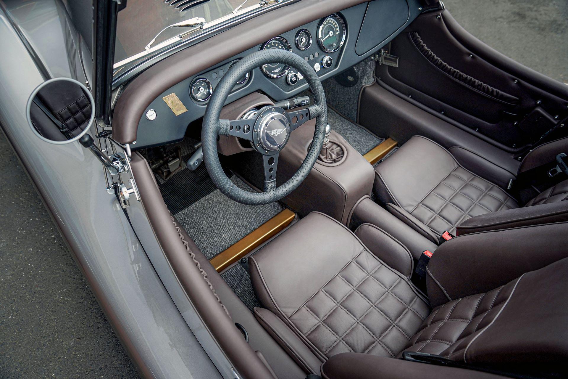 Plus-4-70th-interior