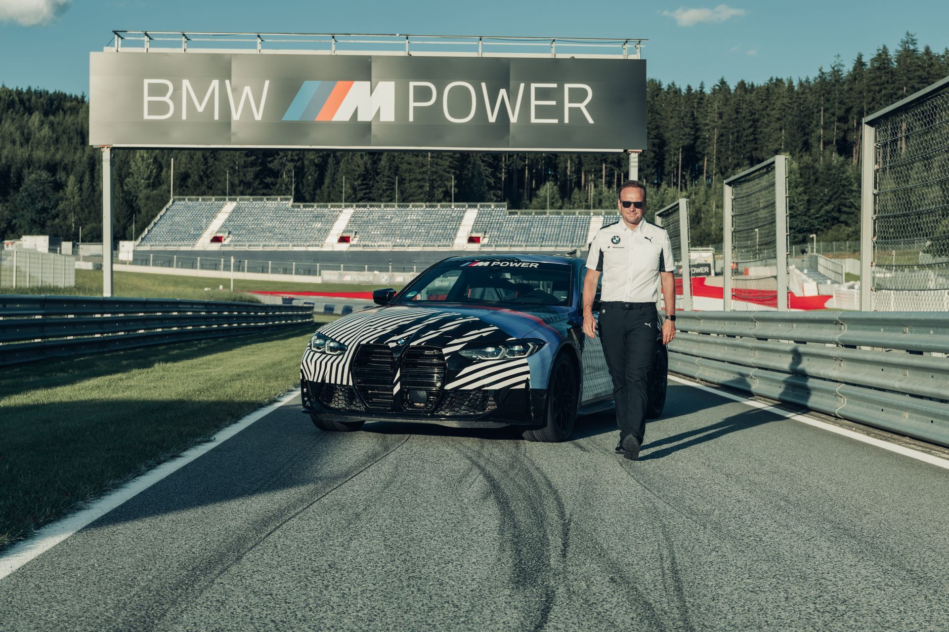 New-BMW-M4-Coupe-and-BMW-M4-GT3-prototypes-9