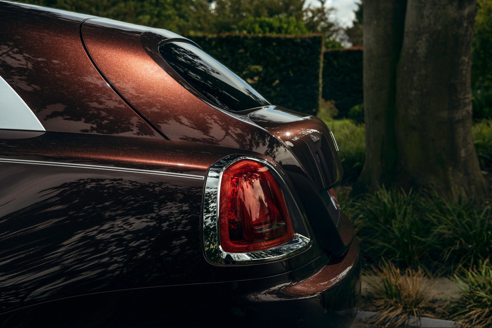 Rolls-Royce-Silver-Spectre-Shooting-Brake-15