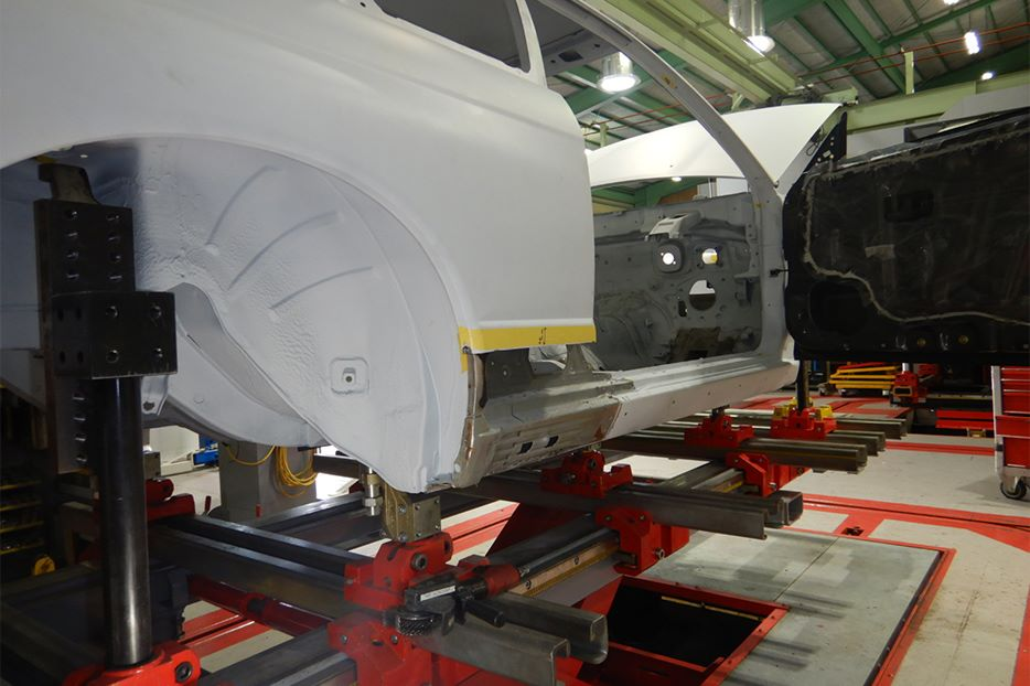Nismo-R32-restoration-10