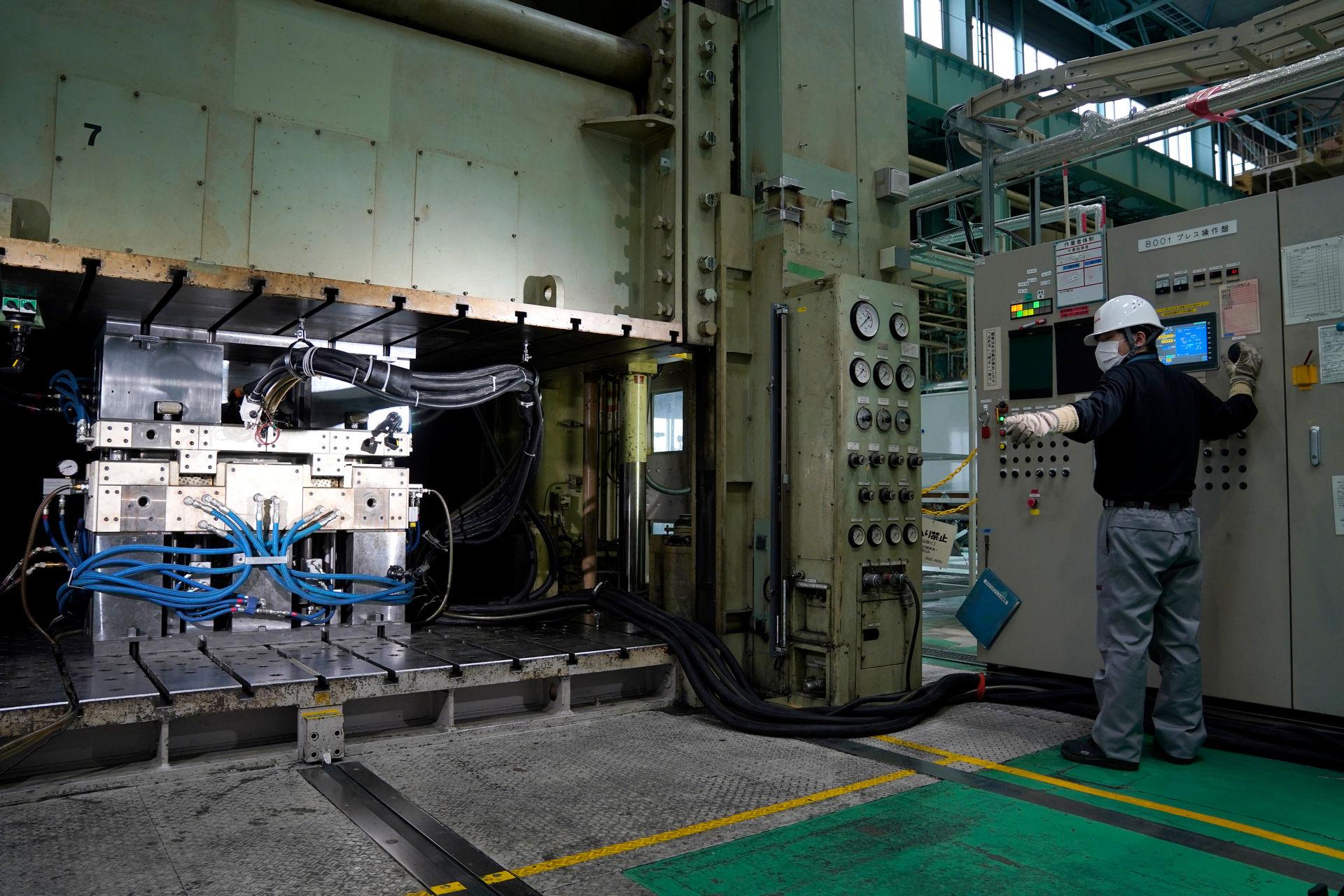 Nissan-CFRP-16