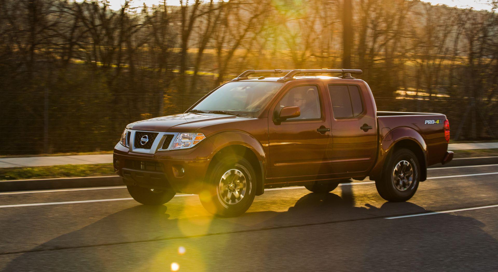 2020-Nissan-Frontier_-13
