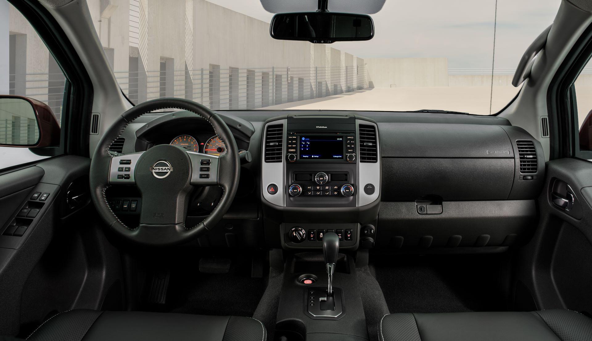 2020-Nissan-Frontier_-16