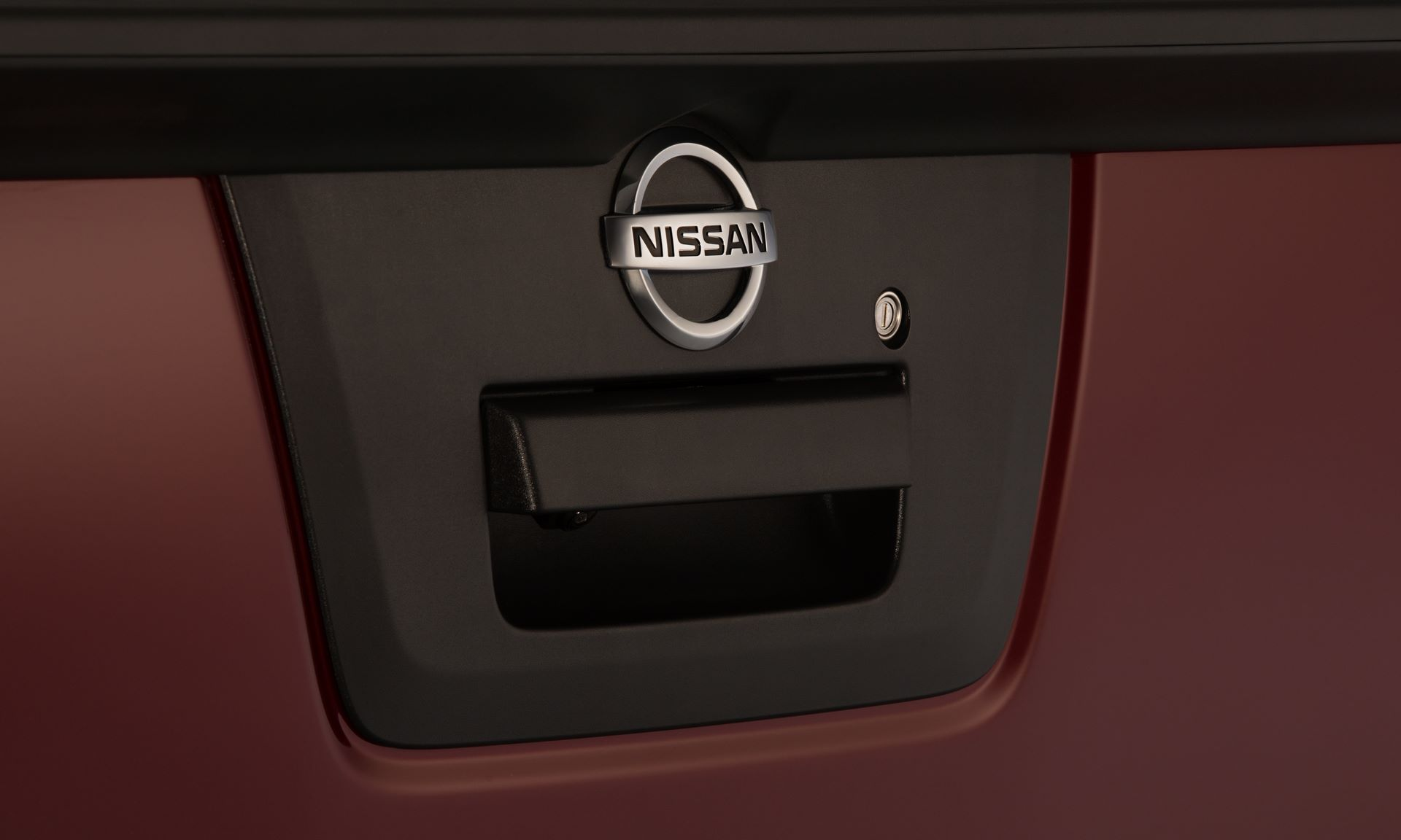 2020-Nissan-Frontier_-27