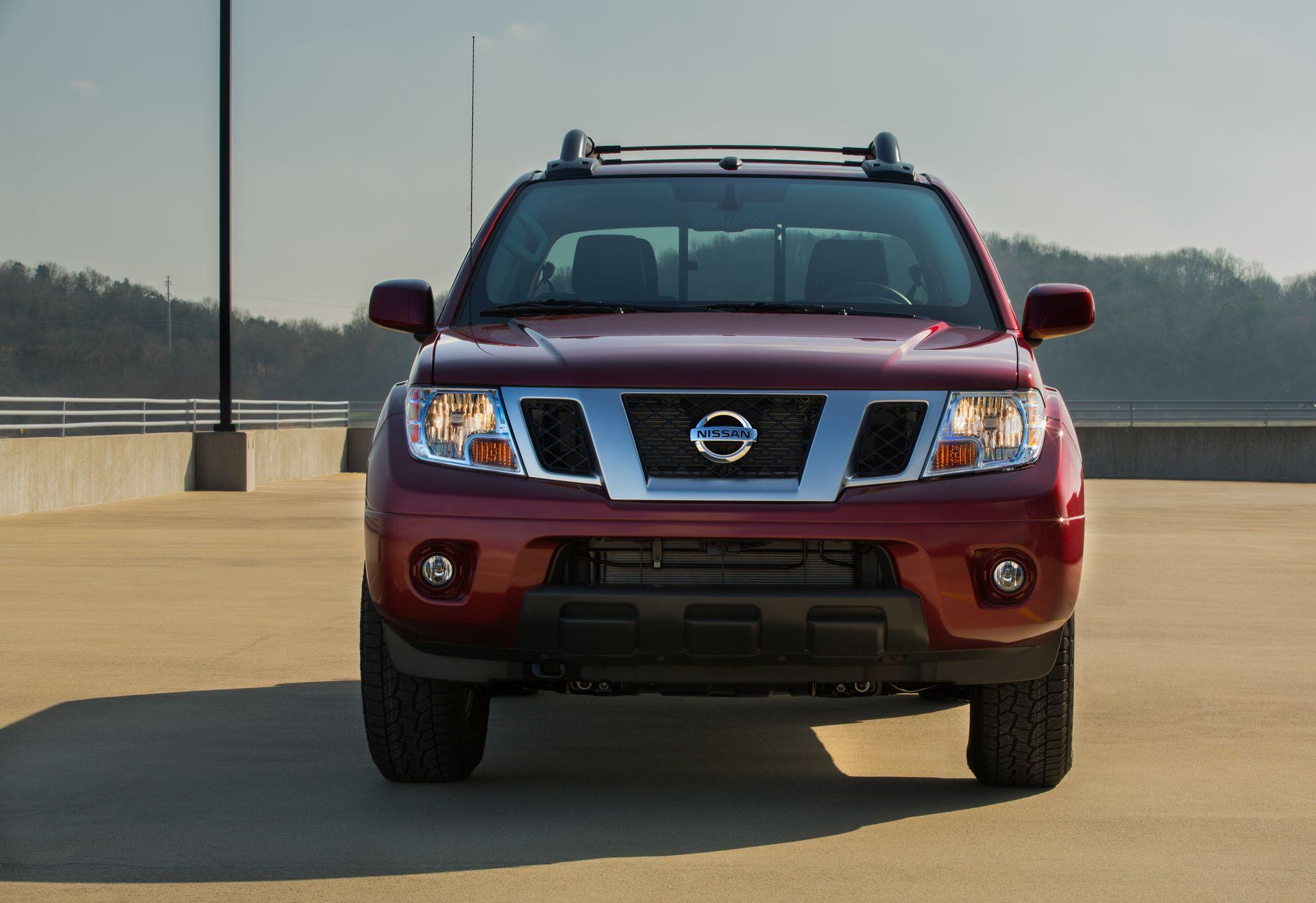 2020-Nissan-Frontier_-4