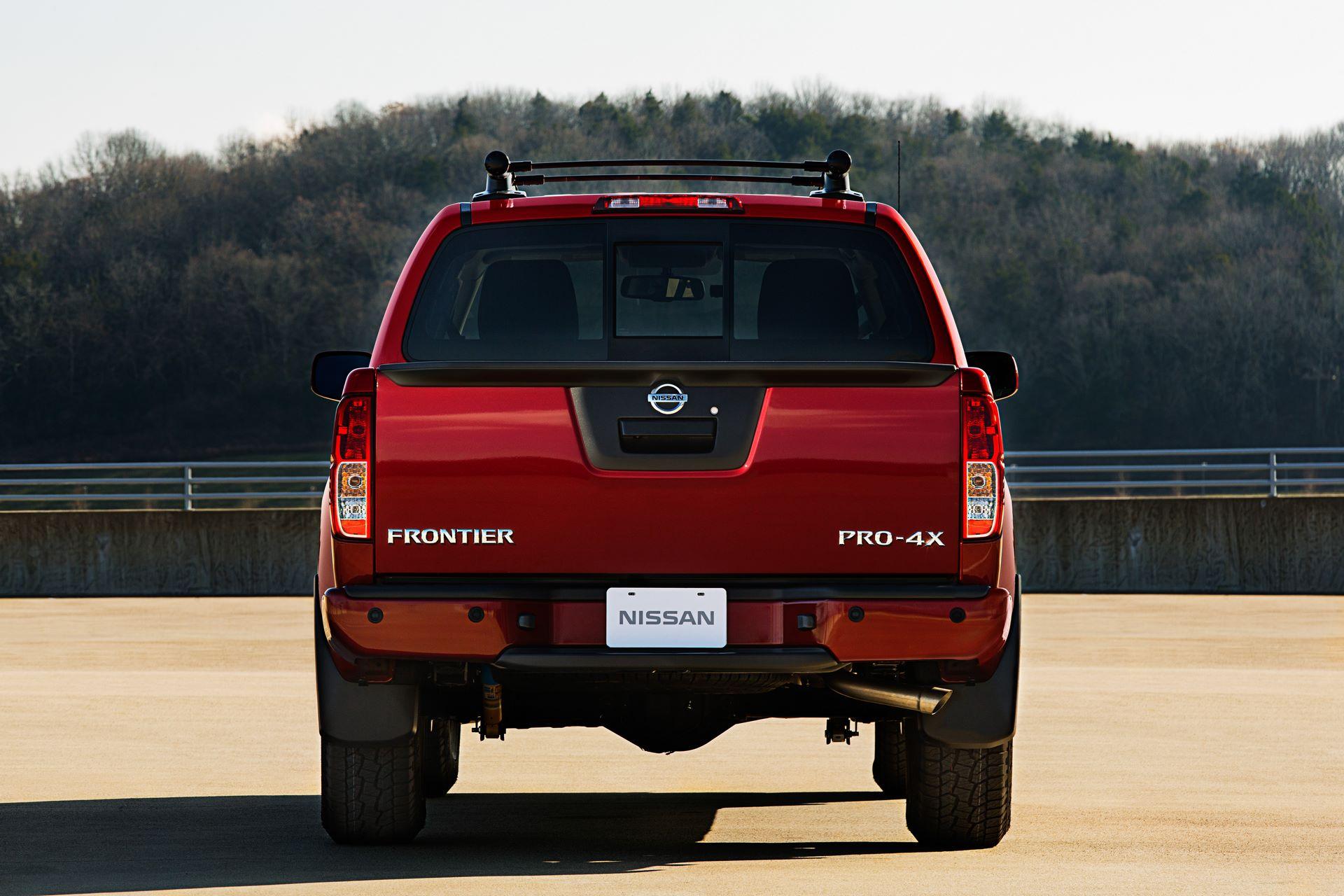 2020-Nissan-Frontier_-6