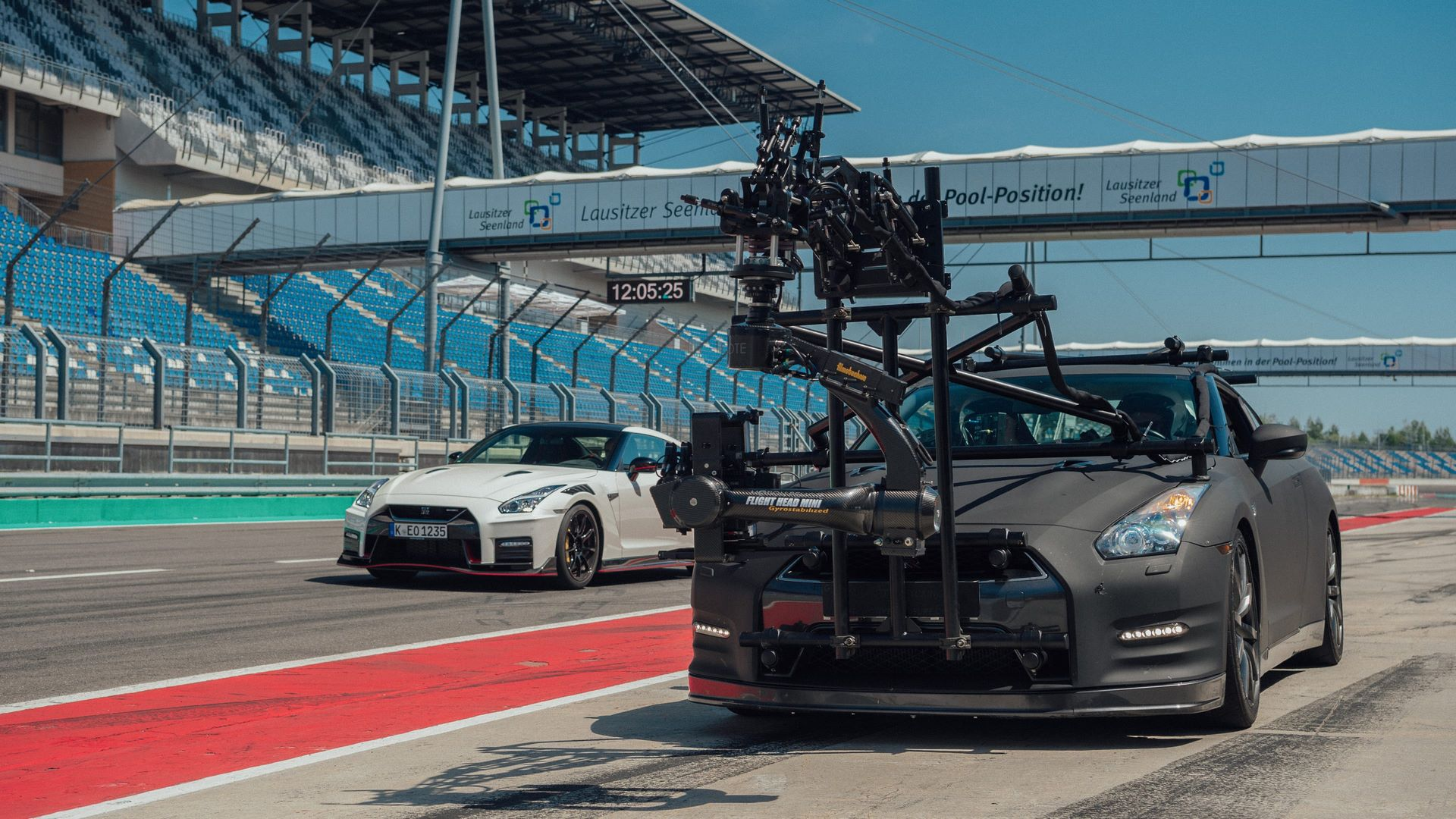 Nissan-GT-R-Camera-Car-7