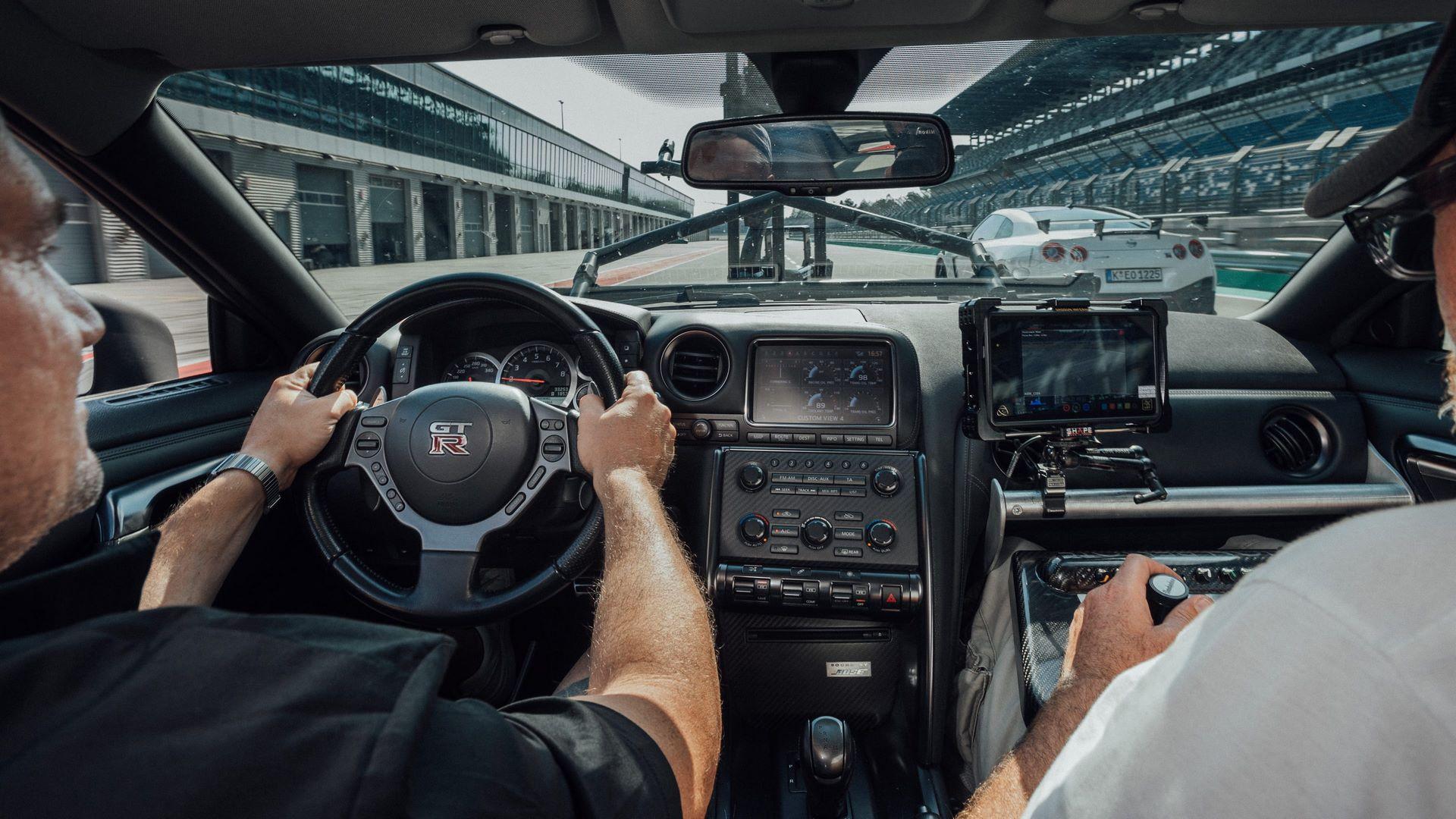 Nissan-GT-R-Camera-Car-8