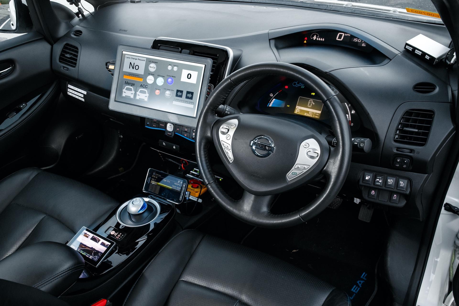 Nissan_Leaf_HumanDrive_0005