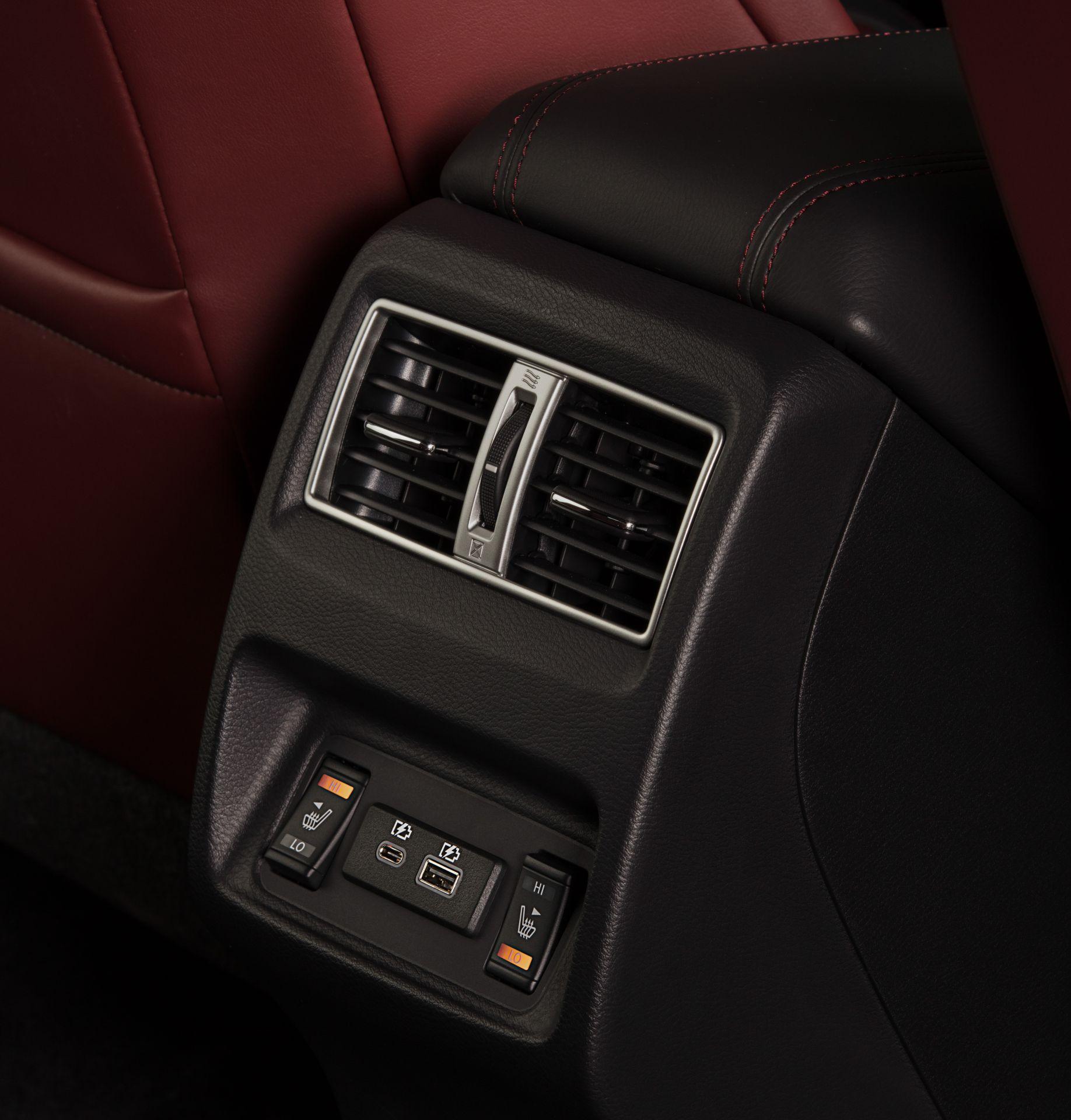 Nissan-Maxima-40th-Anniversary-Edition-19