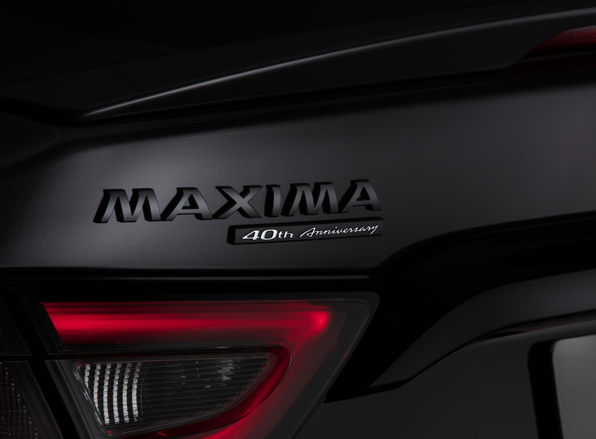 Nissan-Maxima-40th-Anniversary-Edition-21