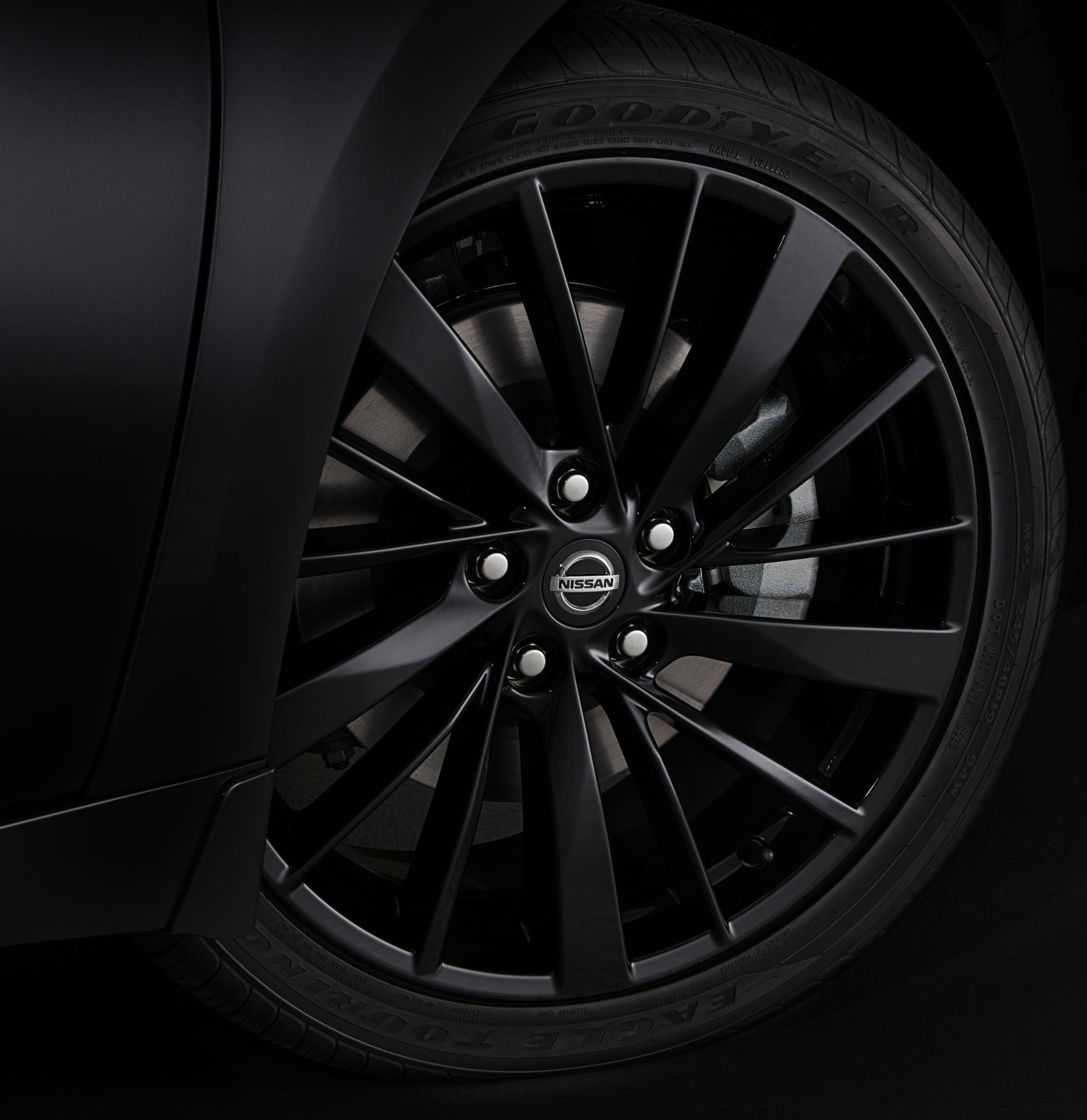 Nissan-Maxima-40th-Anniversary-Edition-23