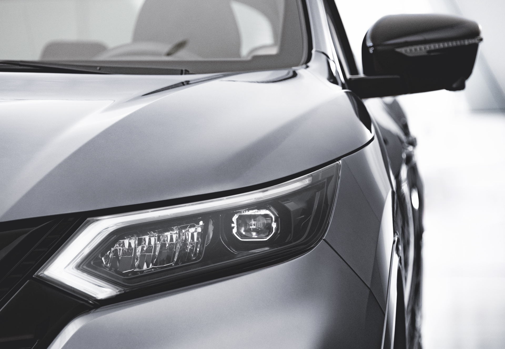 Jan.-7-10am-CET-QASHQAI-N-TEC-Edition-headlamp
