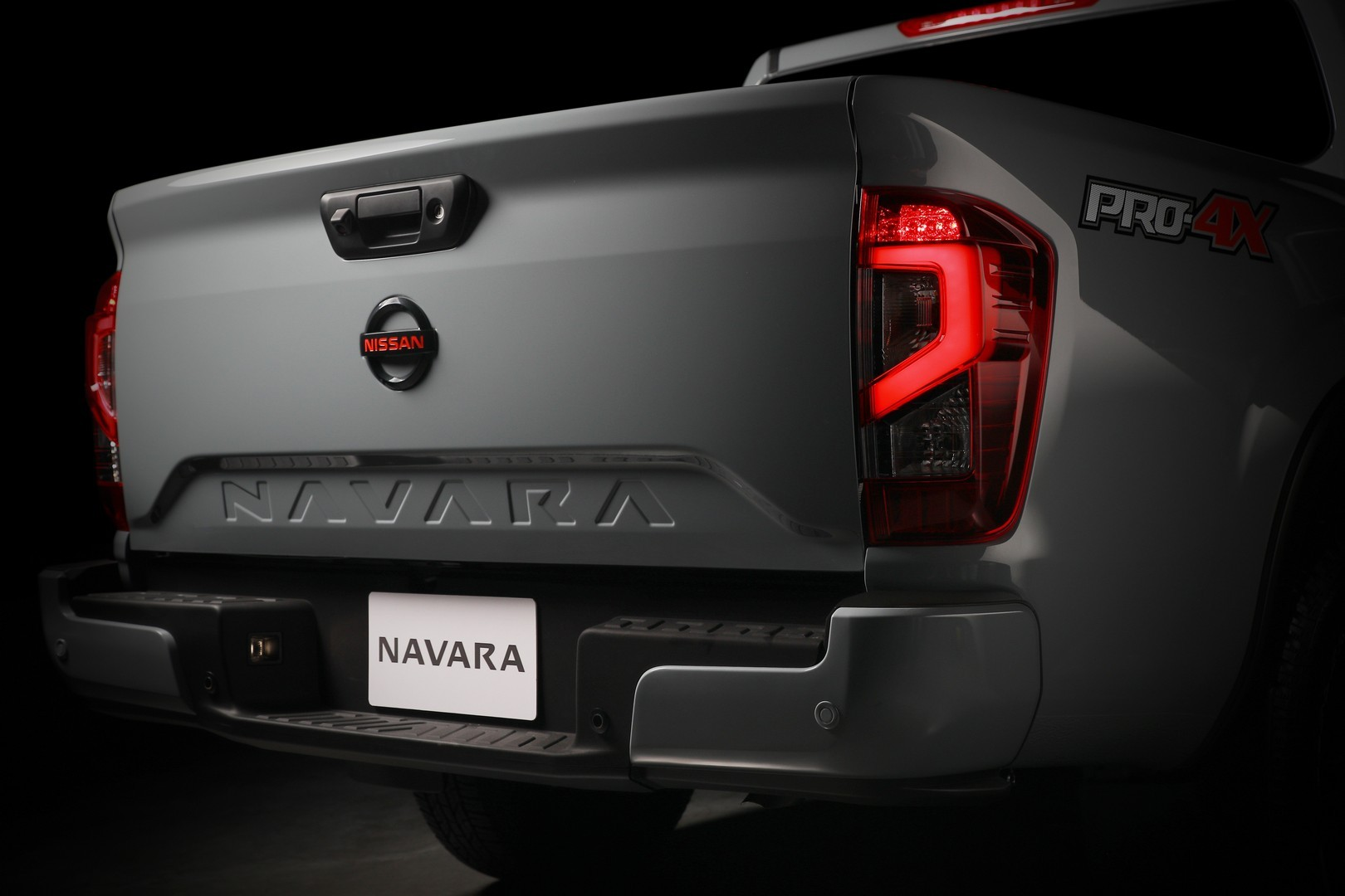 Nissan-Navara-2021-facelift-21