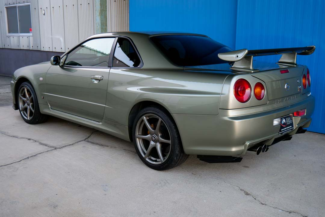 Nissan-R4-Skyline-GT-R-V-Spec-II-Nur-for-sale-11