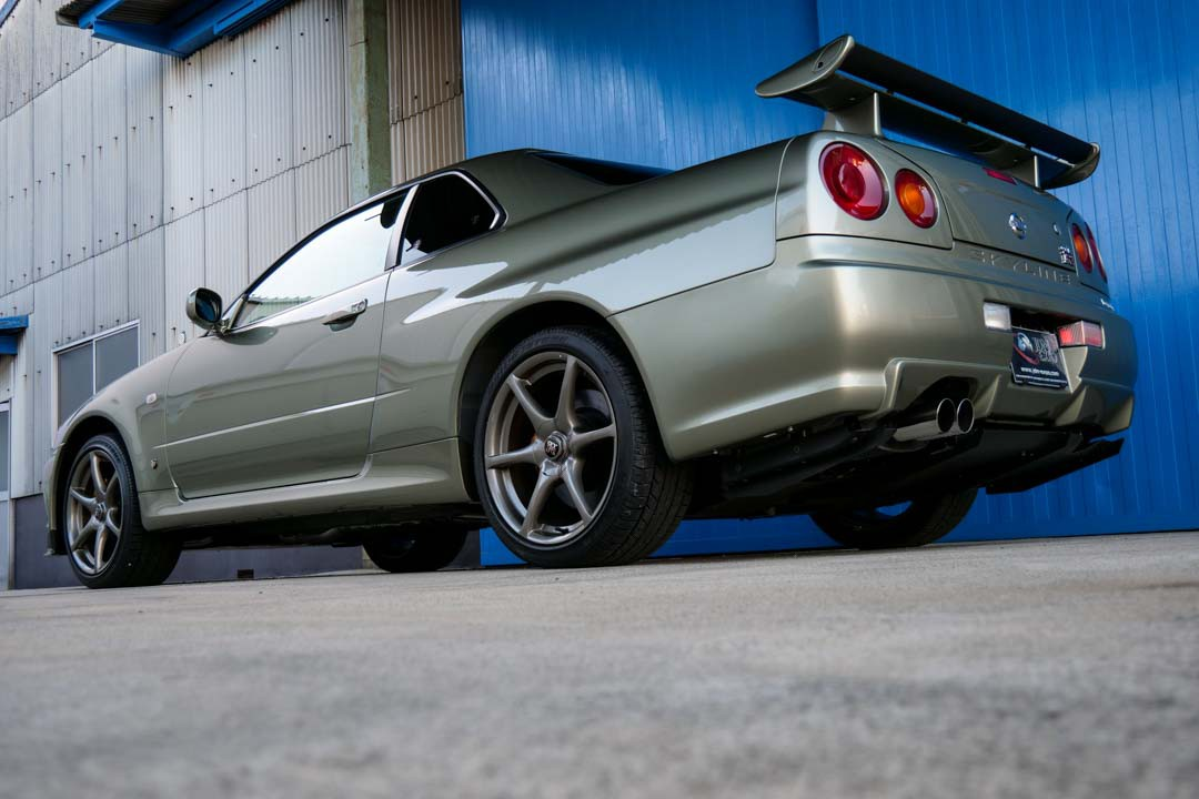 Nissan-R4-Skyline-GT-R-V-Spec-II-Nur-for-sale-14