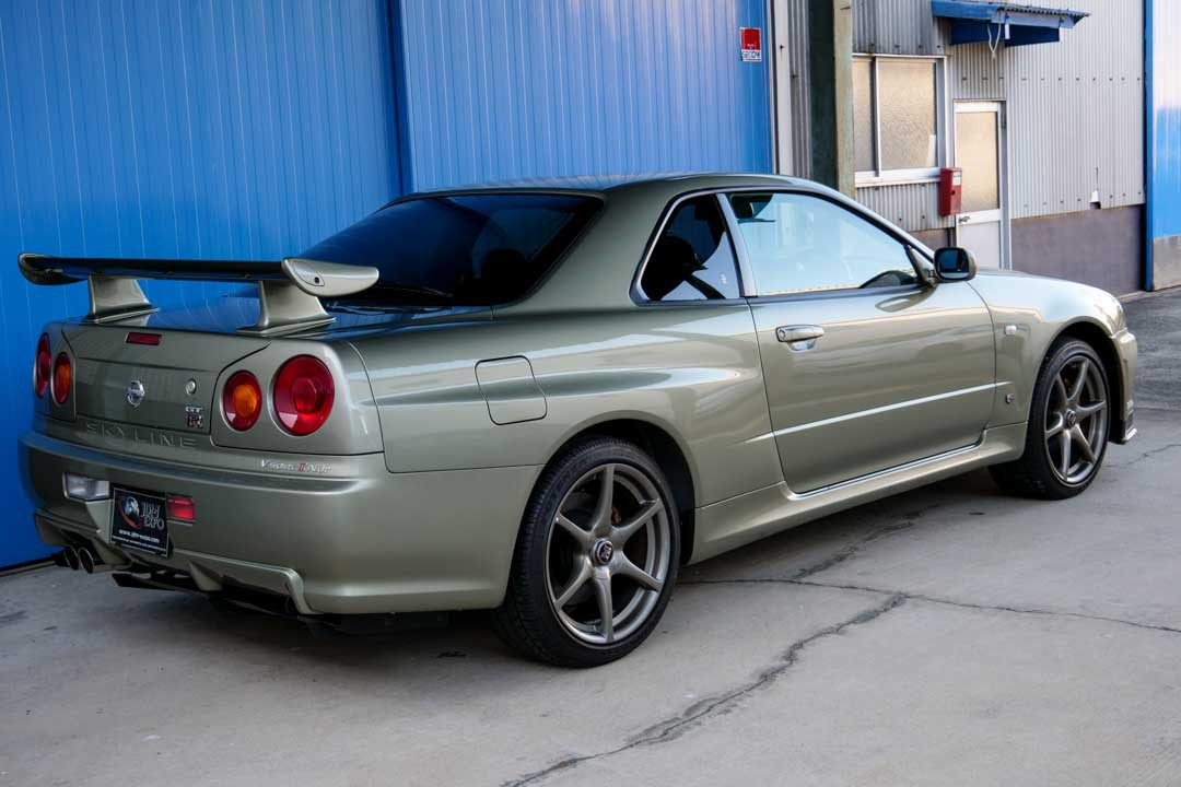 Nissan-R4-Skyline-GT-R-V-Spec-II-Nur-for-sale-29