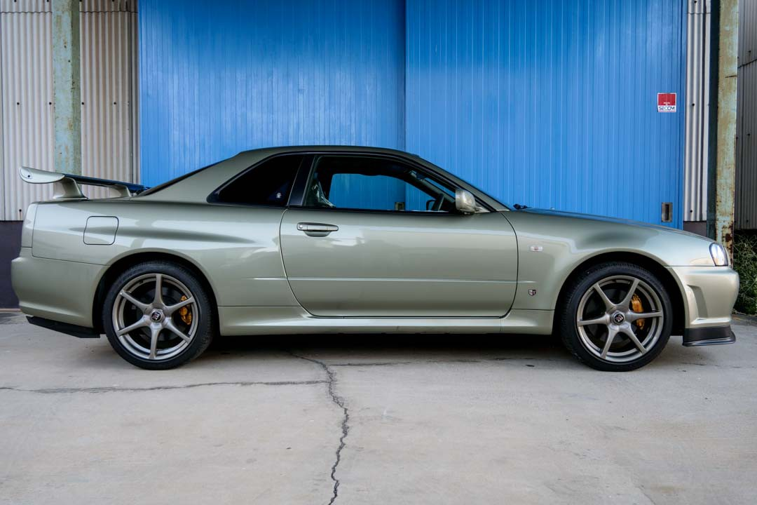 Nissan-R4-Skyline-GT-R-V-Spec-II-Nur-for-sale-33